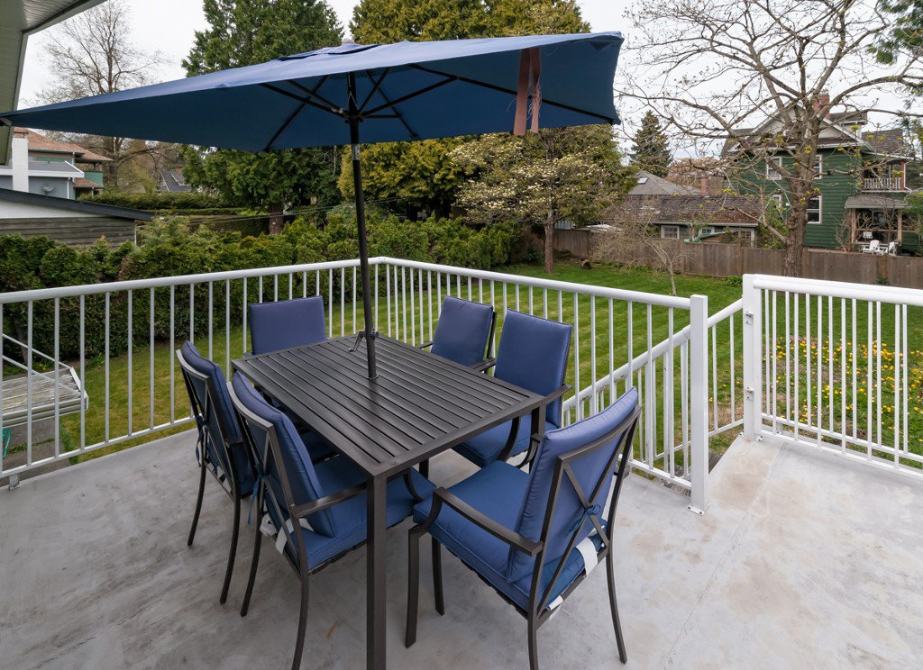 """Photo 6: Photos: 431 5TH ST in New Westminster: Queens Park House for sale in """"QUEENS PARK"""" : MLS®# V1002480"""