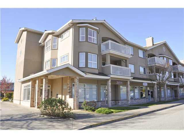 Main Photo: 207 5711 MERMAID STREET in Sechelt: Sechelt District Condo for sale (Sunshine Coast)  : MLS®# R2104837