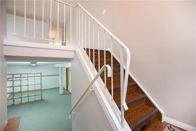 Photo 10: Photos: 61 Burland Avenue in Winnipeg: River Park South Residential for sale (2F)  : MLS®# 1926076