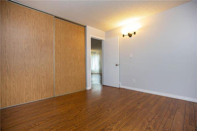 Photo 6: Photos: 61 Burland Avenue in Winnipeg: River Park South Residential for sale (2F)  : MLS®# 1926076