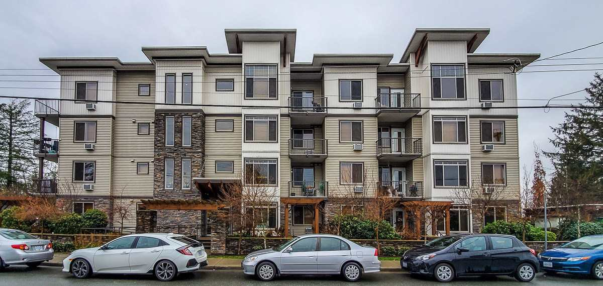 "Main Photo: 207 11887 BURNETT Street in Maple Ridge: East Central Condo for sale in ""WELLINGTON STATION"" : MLS®# R2423343"