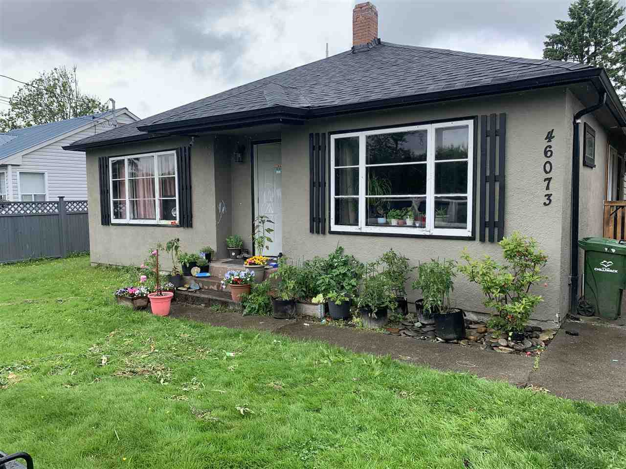 Main Photo: 46073 FOURTH Avenue in Chilliwack: Chilliwack E Young-Yale House for sale : MLS®# R2456827