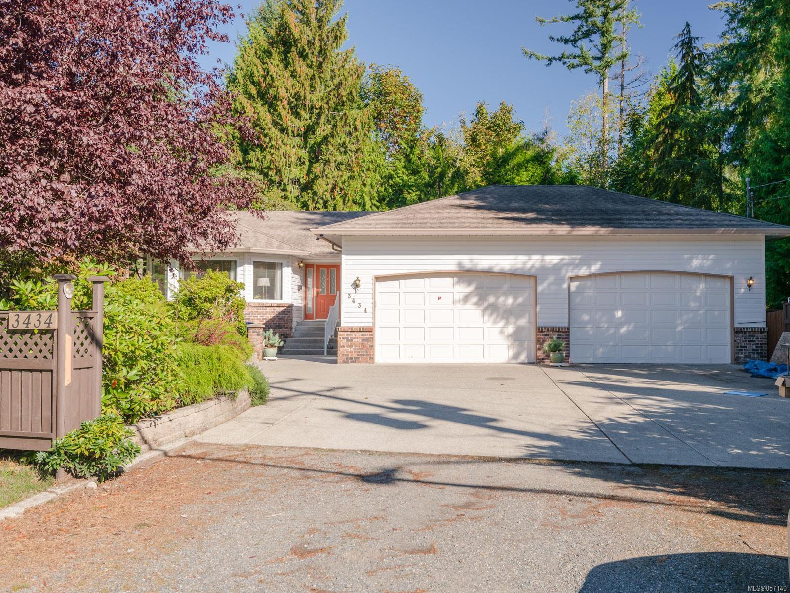 Main Photo: 3434 Uplands Dr in : Na Uplands House for sale (Nanaimo)  : MLS®# 857140