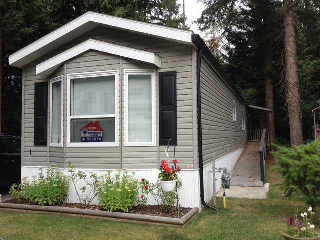 "Main Photo: 1 2306 198TH Street in Langley: Brookswood Langley Manufactured Home for sale in ""Cedar Lane Park"" : MLS®# F1319790"