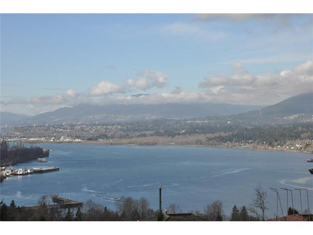 Main Photo: 7040 MALIBU DR in Burnaby: Westridge BN House for sale (Burnaby North)  : MLS®# V1104735