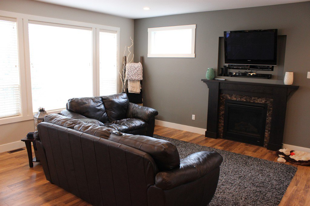 Photo 2: Photos: 8754 Badger Drive in Kamloops: Campbell Creek/Del Oro House for sale : MLS®# 132858