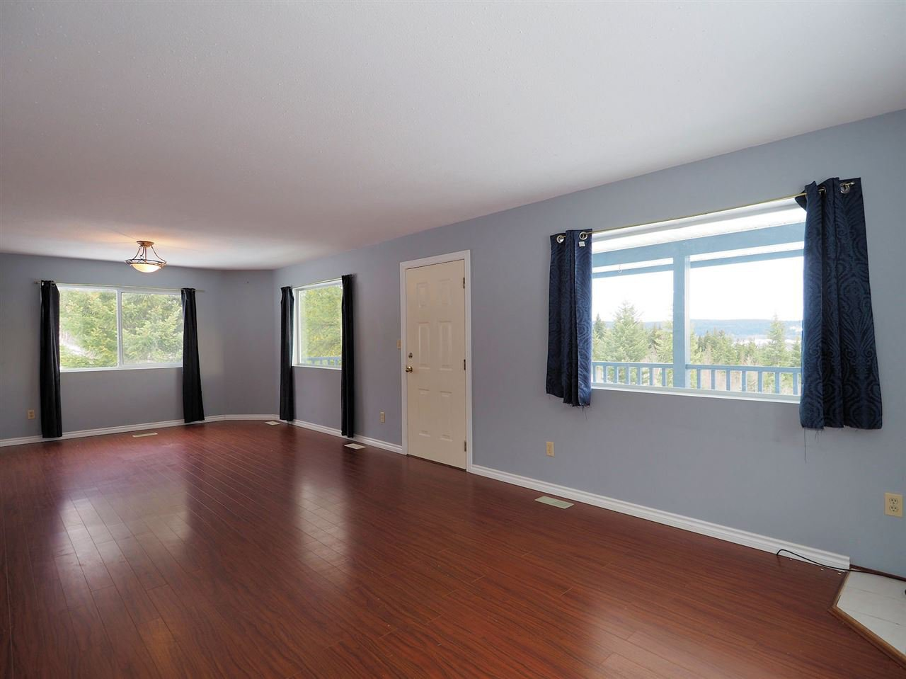 Photo 4: Photos: 6314 SPURAWAY Drive: Forest Grove House for sale (100 Mile House (Zone 10))  : MLS®# R2433467