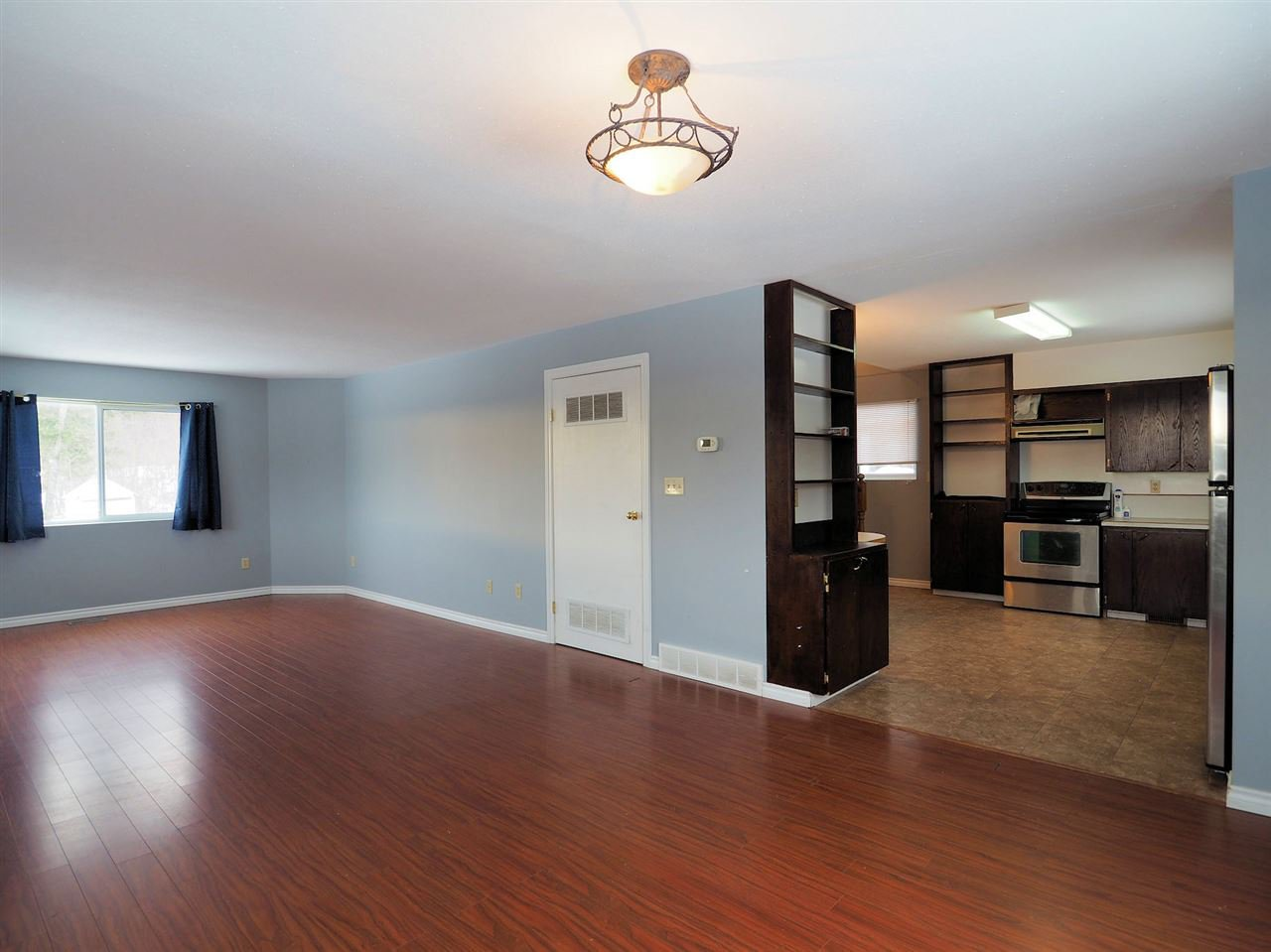 Photo 5: Photos: 6314 SPURAWAY Drive: Forest Grove House for sale (100 Mile House (Zone 10))  : MLS®# R2433467