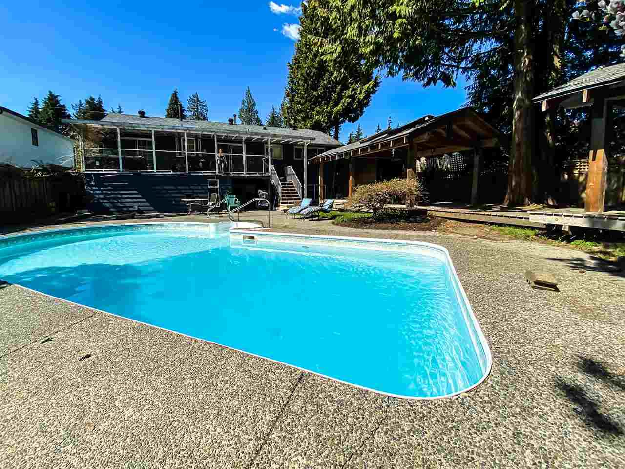 Photo 2: Photos: 2672 KILMARNOCK CRESCENT in North Vancouver: Westlynn Terrace House for sale : MLS®# R2450668