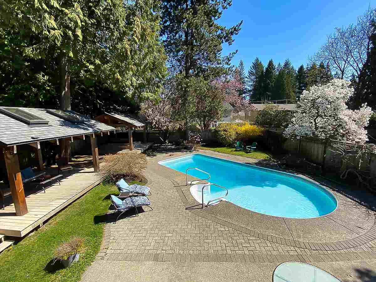 Photo 1: Photos: 2672 KILMARNOCK CRESCENT in North Vancouver: Westlynn Terrace House for sale : MLS®# R2450668