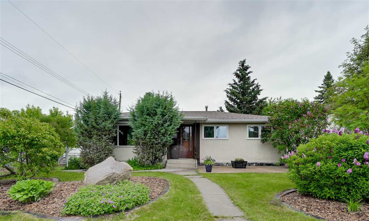 Main Photo: 4911 116A Street in Edmonton: Zone 15 House for sale : MLS®# E4202237