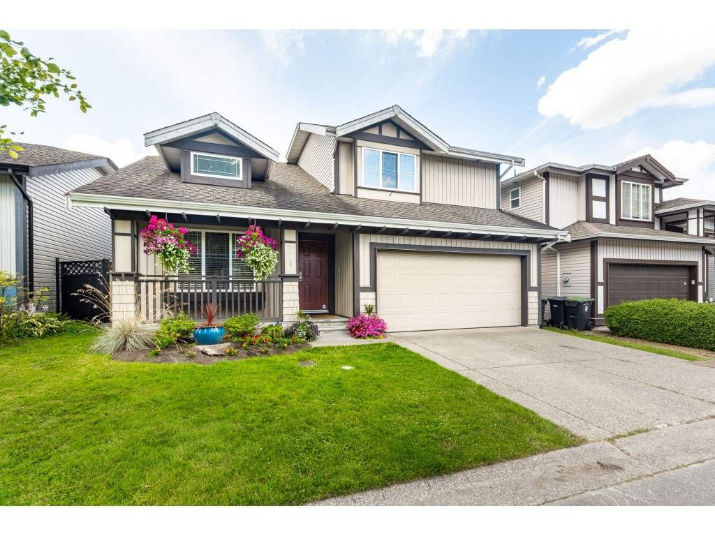 """Main Photo: 9443 202B Street in Langley: Walnut Grove House for sale in """"River Wynde"""" : MLS®# R2476809"""
