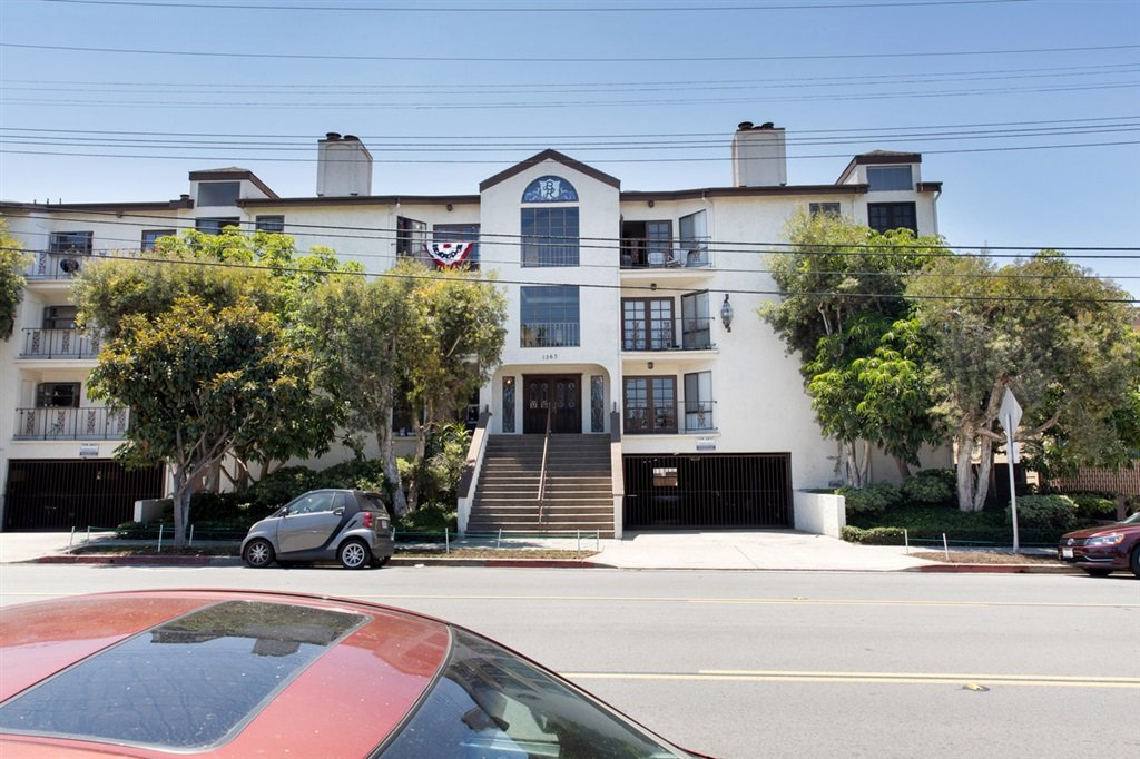 Main Photo: HILLCREST Condo for sale : 2 bedrooms : 1263 Robinson Ave #11 in San Diego