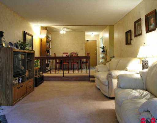 "Main Photo: 2211 13819 100TH AV in Surrey: Whalley Condo for sale in ""CARRIAGE LANE"" (North Surrey)  : MLS®# F2612353"