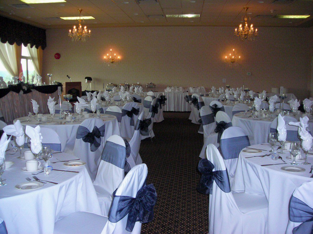 Main Photo: ~ BANQUET HALL & RESTAURANT ~ in : Mission BC Home for sale (Mission)  : MLS®# V4039563