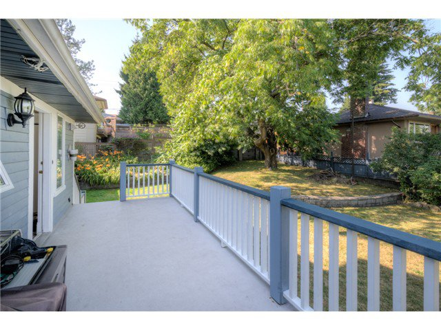 """Photo 18: Photos: 917 SECOND Street in New Westminster: GlenBrooke North House for sale in """"GLENBROOKE NORTH"""" : MLS®# V1075704"""
