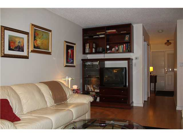 Photo 3: Photos: 4784 LAURELWOOD PL in Burnaby: Greentree Village Condo for sale (Burnaby South)  : MLS®# V1097547