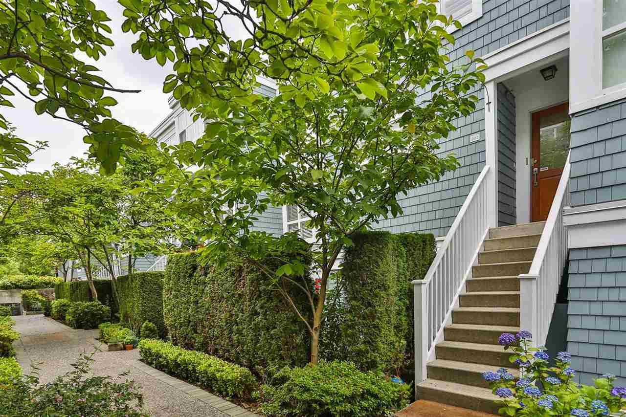 Main Photo: 202 665 W 7TH AVENUE in Vancouver: Fairview VW Townhouse for sale (Vancouver West)  : MLS®# R2083819