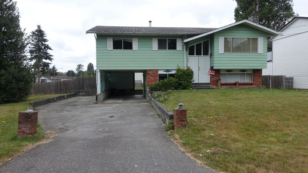 Main Photo: 7875 Swanson Drive in Delta: House for rent (Abbotsford)