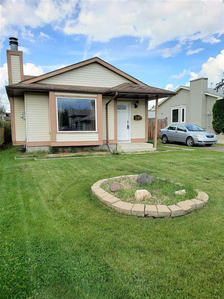 Main Photo: 9524 173 Avenue in Edmonton: Zone 28 House for sale : MLS®# E4166386