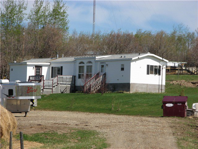 Main Photo: 13024 MARK Avenue in Charlie Lake: Lakeshore Manufactured Home for sale (Fort St. John (Zone 60))  : MLS®# N227341