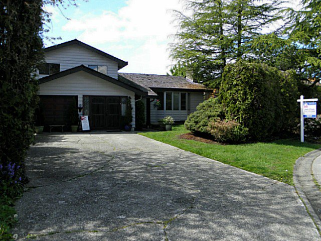 Main Photo: 14443 CHARTWELL DR in Surrey: Bear Creek Green Timbers House for sale : MLS®# F1437016