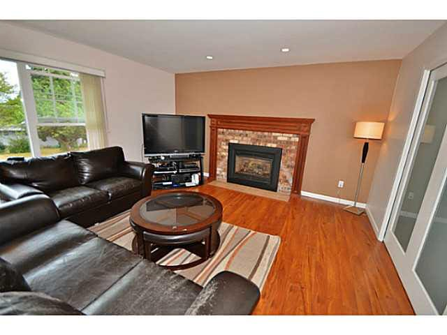 Photo 2: Photos: 1646 Eastern Drive in Port Coquitlam: Mary Hill House  : MLS®# V1135763