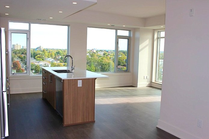 Photo 8: Photos: #806 - 7 Marquette Avenue in Ottawa: Beechwood Village House for rent