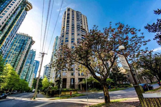 Main Photo: Vancouver West in West End VW: Condo for sale : MLS®# R2061090