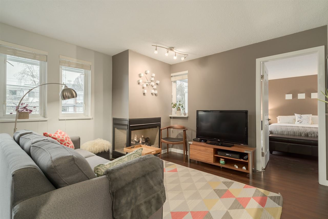 Main Photo: 8 1949 W 8TH AVENUE in Vancouver: Kitsilano Condo for sale (Vancouver West)  : MLS®# R2138508