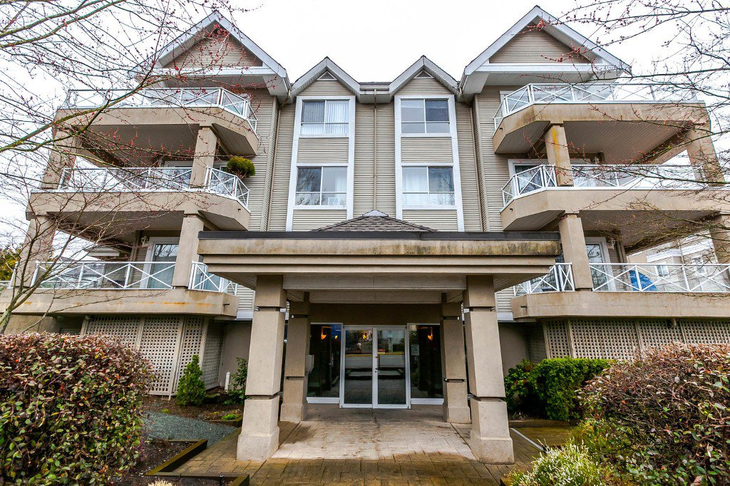 Main Photo: #105 - 5568 201A Street in Langley: Langley City Condo for sale : MLS®# R2146981