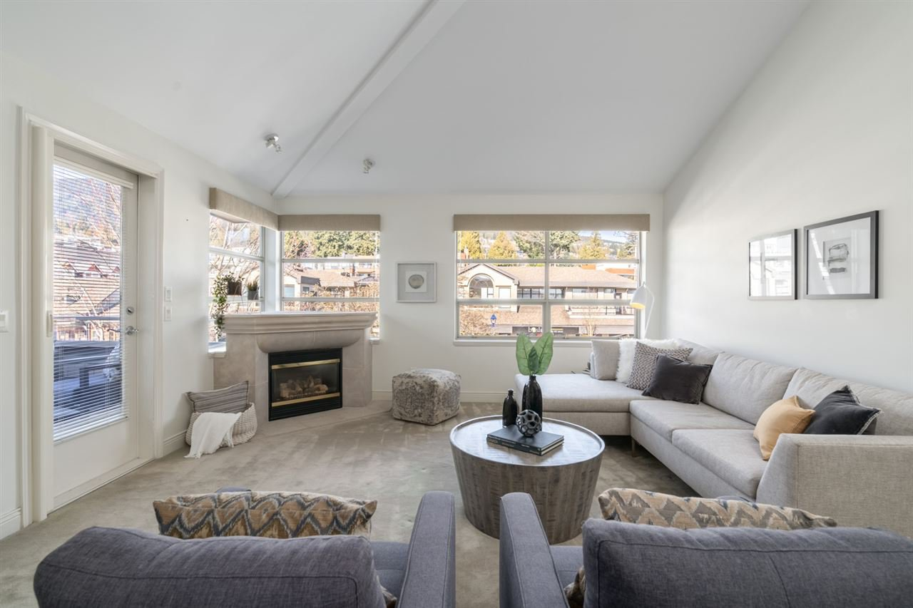 """Main Photo: 207 2418 MARINE Drive in West Vancouver: Dundarave Condo for sale in """"Dundarave Mews"""" : MLS®# R2446807"""