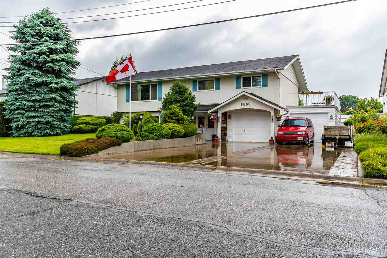Main Photo: 6685 OXFORD Road in Chilliwack: Sardis West Vedder Rd House for sale (Sardis)  : MLS®# R2461342