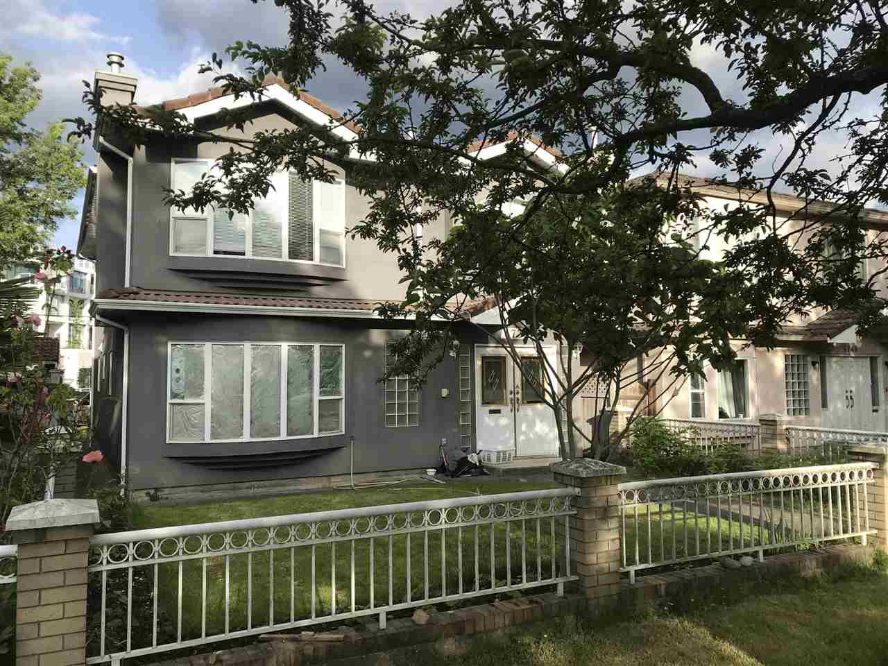 Main Photo: 4736 GLADSTONE Street in Vancouver: Victoria VE House for sale (Vancouver East)  : MLS®# R2463396