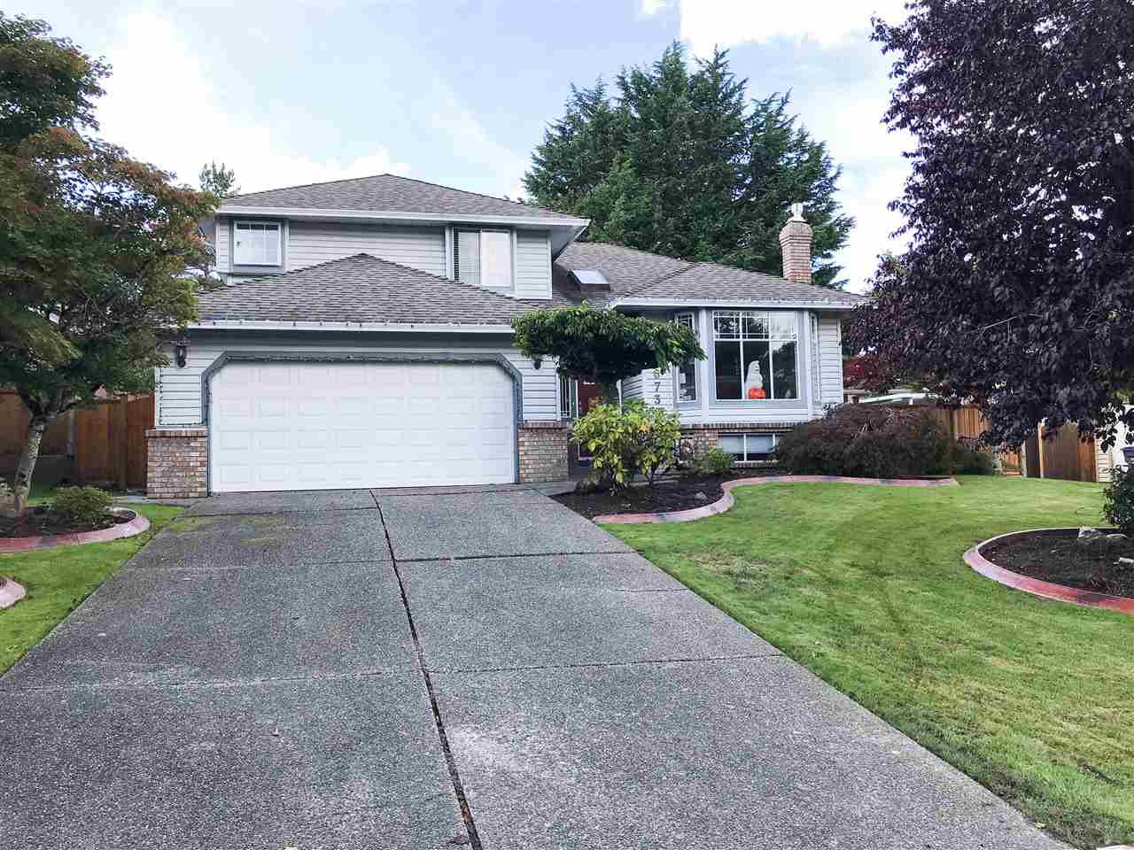 Main Photo: 6739 122A Street in Surrey: West Newton House for sale : MLS®# R2508521