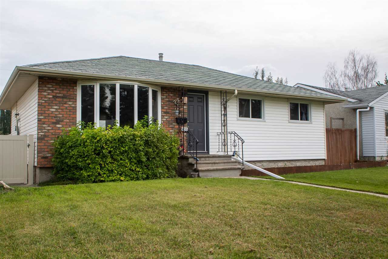 Main Photo: 16155 110B Avenue in Edmonton: Zone 21 House for sale : MLS®# E4174334