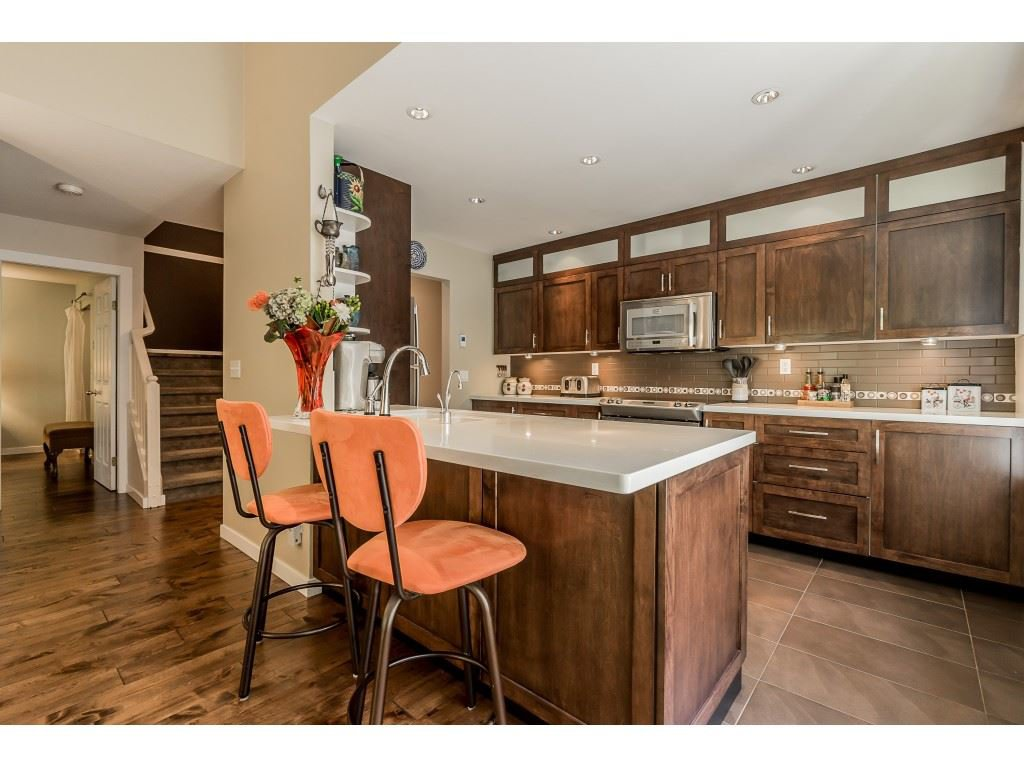 """Main Photo: 163 101 PARKSIDE Drive in Port Moody: Heritage Mountain Townhouse for sale in """"Treetops"""" : MLS®# R2416342"""