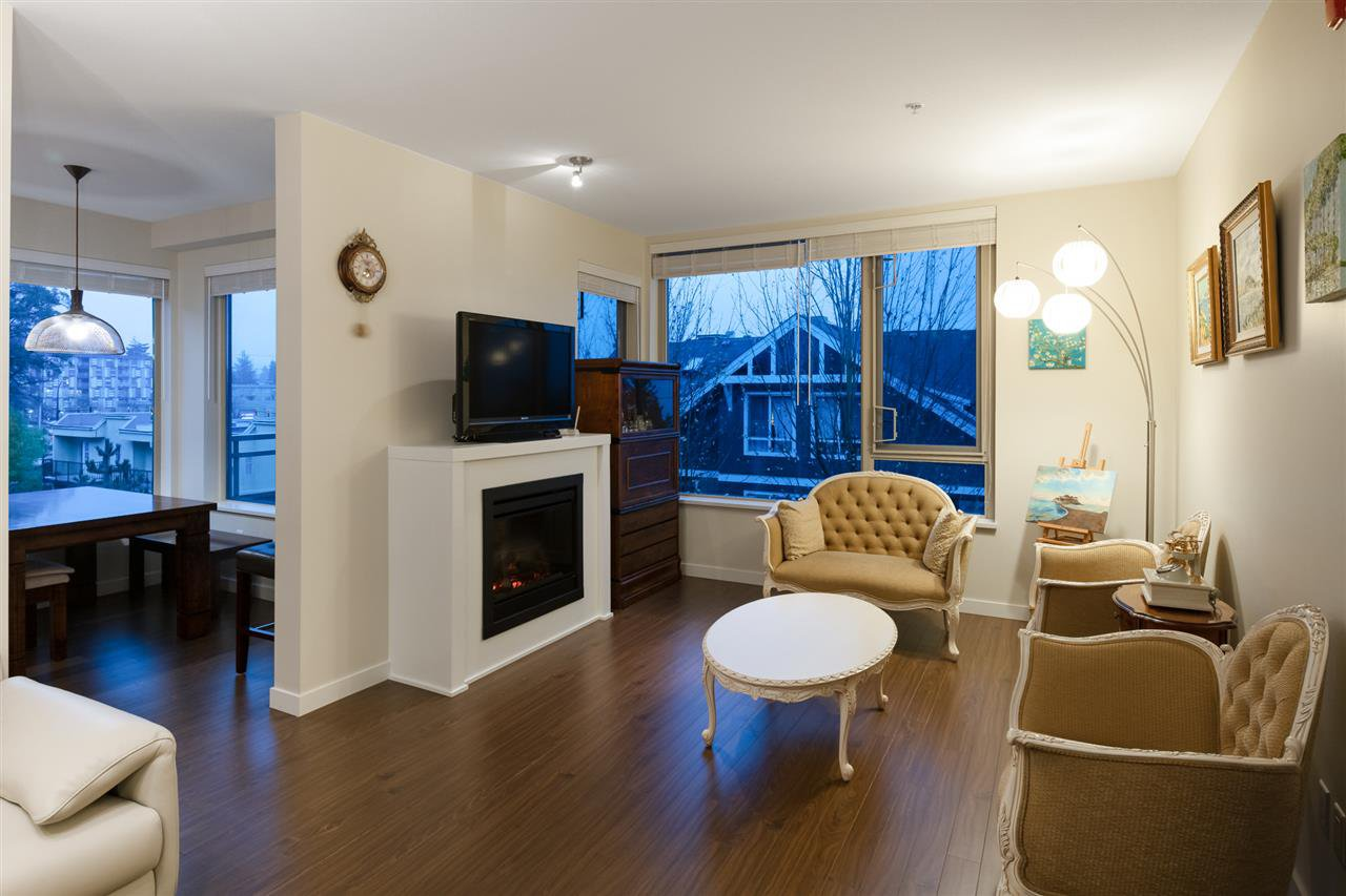 Photo 3: Photos: 305 119 W 22ND STREET in North Vancouver: Central Lonsdale Condo for sale : MLS®# R2419314