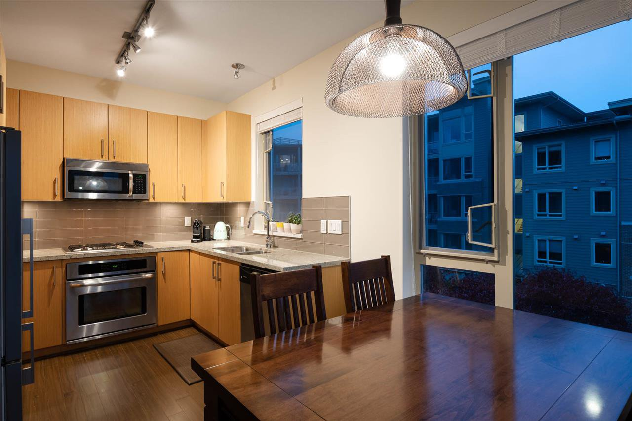 Photo 11: Photos: 305 119 W 22ND STREET in North Vancouver: Central Lonsdale Condo for sale : MLS®# R2419314
