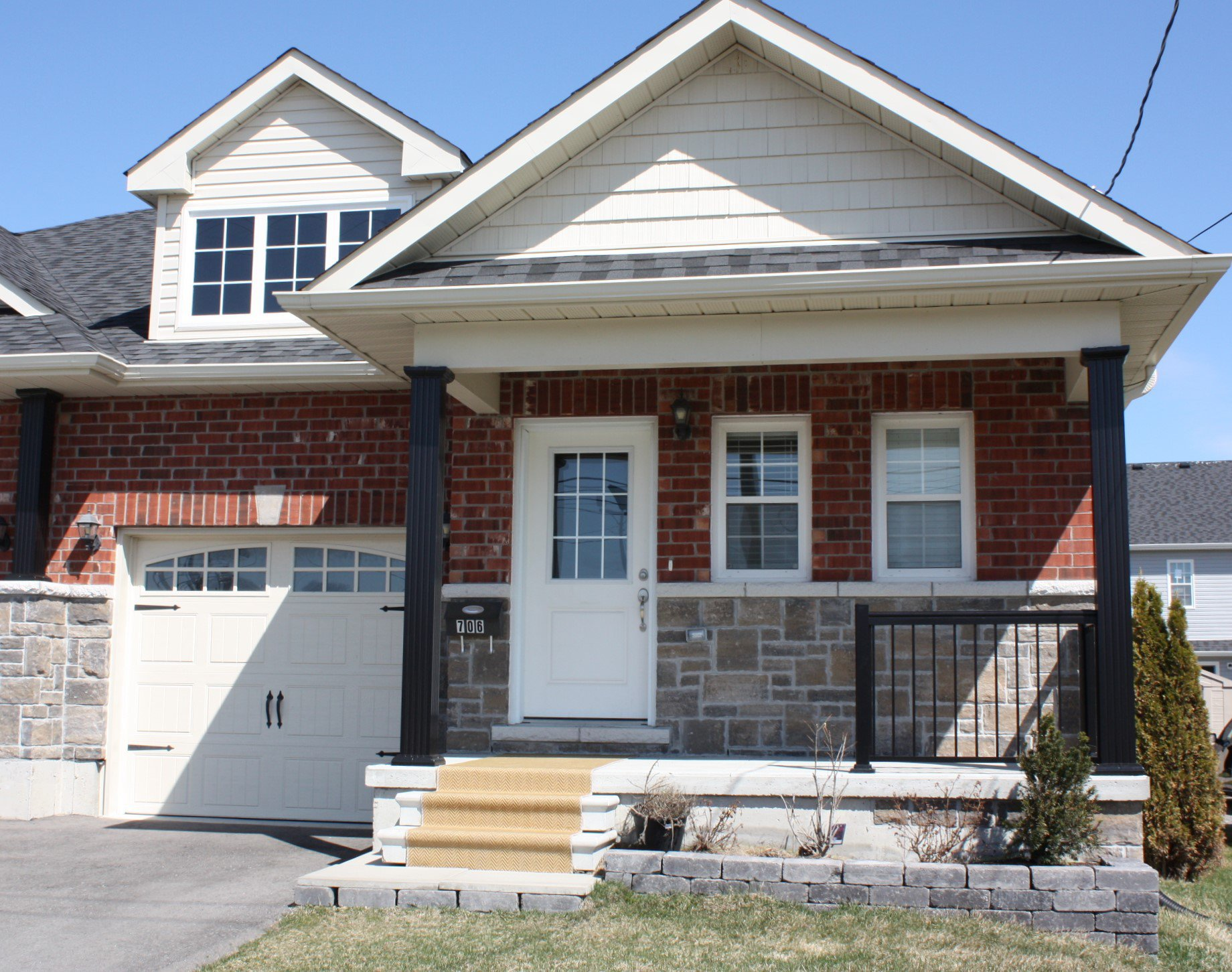 Main Photo: 706 Ontario Street in Cobourg: Residential Attached for sale : MLS®# 254262