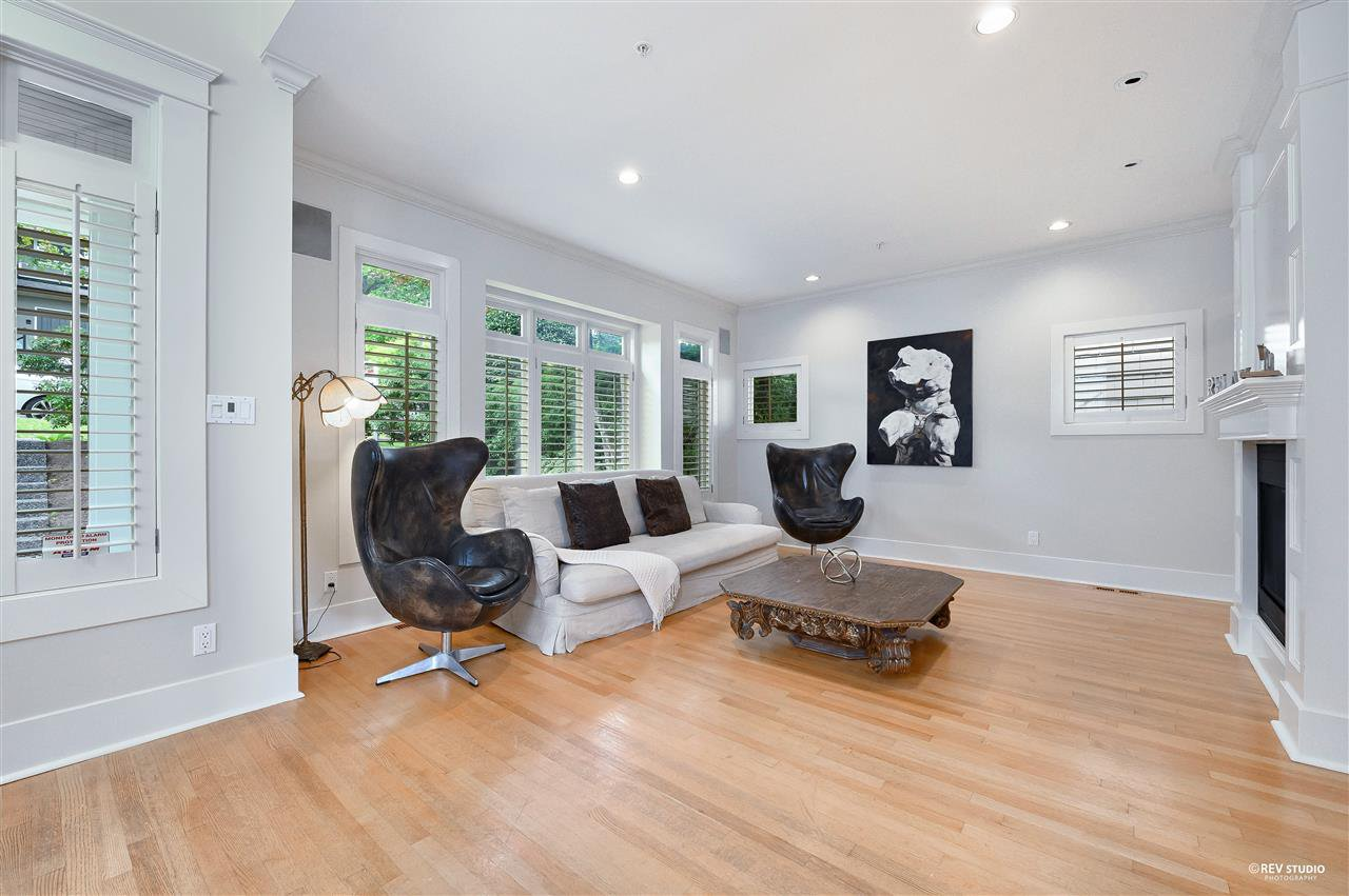 "Main Photo: 4420 COLLINGWOOD Street in Vancouver: Dunbar House for sale in ""Dunbar"" (Vancouver West)  : MLS®# R2481466"