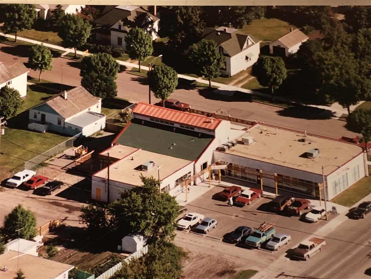 Main Photo: 5220 48 Avenue: Wetaskiwin Retail for sale : MLS®# E4218561