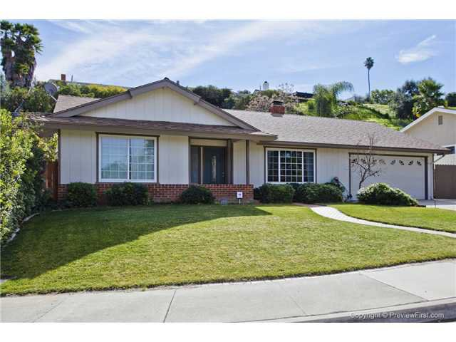 Main Photo: EAST ESCONDIDO House for sale : 4 bedrooms : 1553 Kenora Street in Escondido