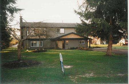 Main Photo: Family Home On 1/2 Acre Backing Onto Farmland In Murrayville