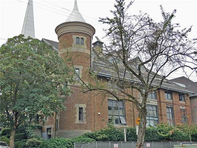"""Main Photo: 207 2525 QUEBEC Street in Vancouver: Mount Pleasant VE Condo for sale in """"THE CORNERSTONE"""" (Vancouver East)  : MLS®# V973438"""