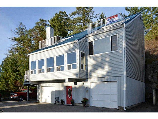 "Main Photo: 9 5471 SECRET COVE Road in Halfmoon Bay: Halfmn Bay Secret Cv Redroofs House for sale in ""The Secret Cove Mews"" (Sunshine Coast)  : MLS®# V995468"