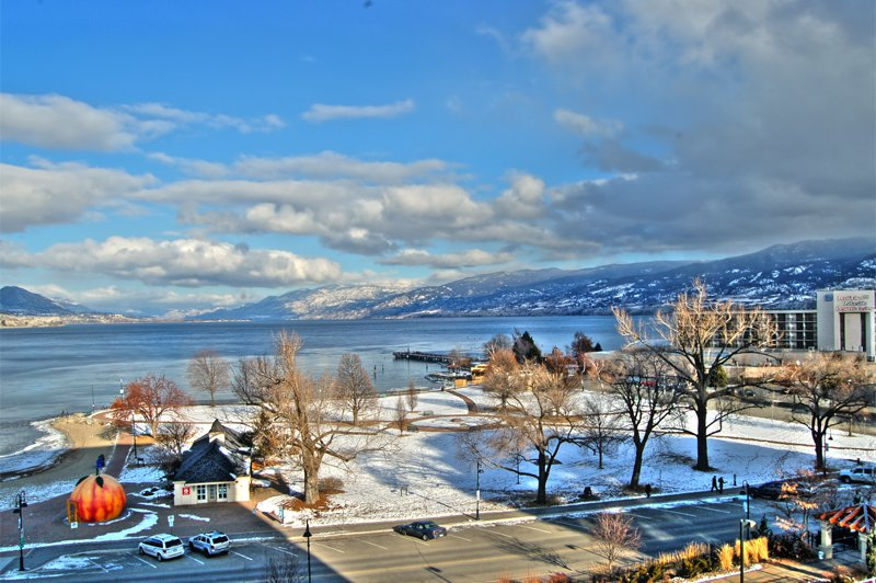 Photo 8: Photos: 701-160 Lakeshore Dr W in Penticton: Okanagan Lake Area Residential Attached for sale : MLS®# 147177