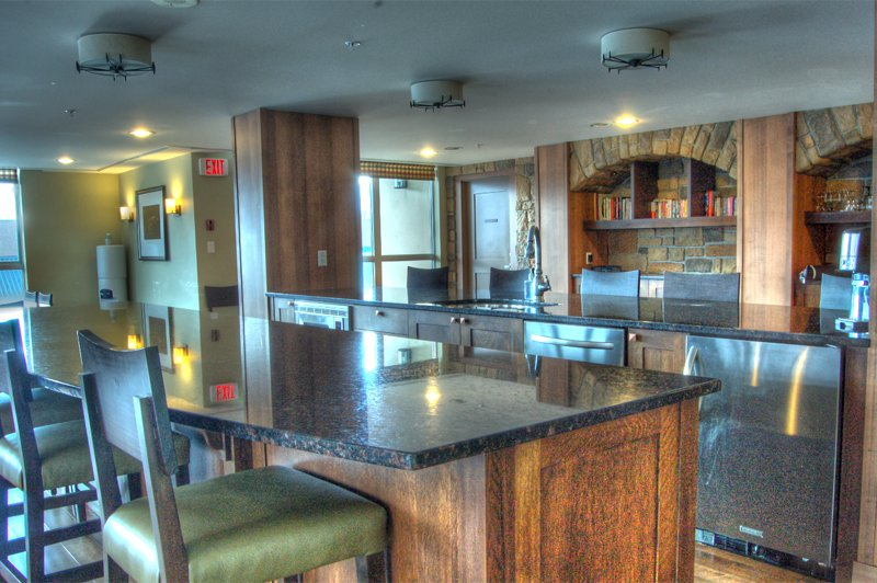 Photo 13: Photos: 701-160 Lakeshore Dr W in Penticton: Okanagan Lake Area Residential Attached for sale : MLS®# 147177