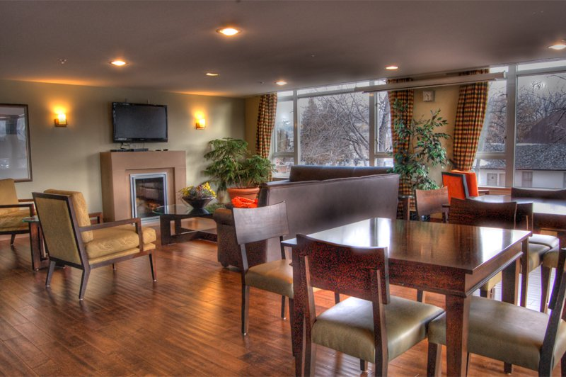 Photo 11: Photos: 701-160 Lakeshore Dr W in Penticton: Okanagan Lake Area Residential Attached for sale : MLS®# 147177