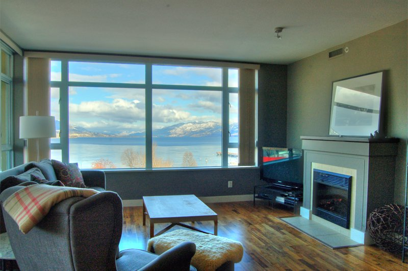 Photo 3: Photos: 701-160 Lakeshore Dr W in Penticton: Okanagan Lake Area Residential Attached for sale : MLS®# 147177